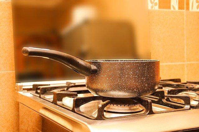 鍋,お湯,コンロ