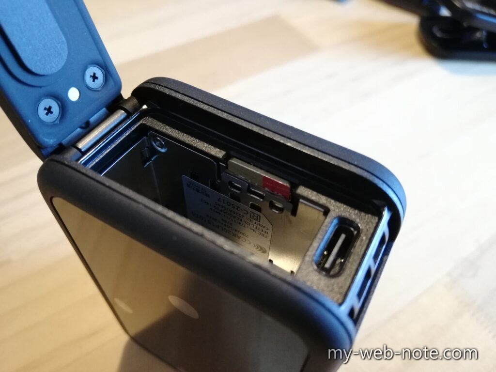 GoPro HERO 9 / microSD脱着方法